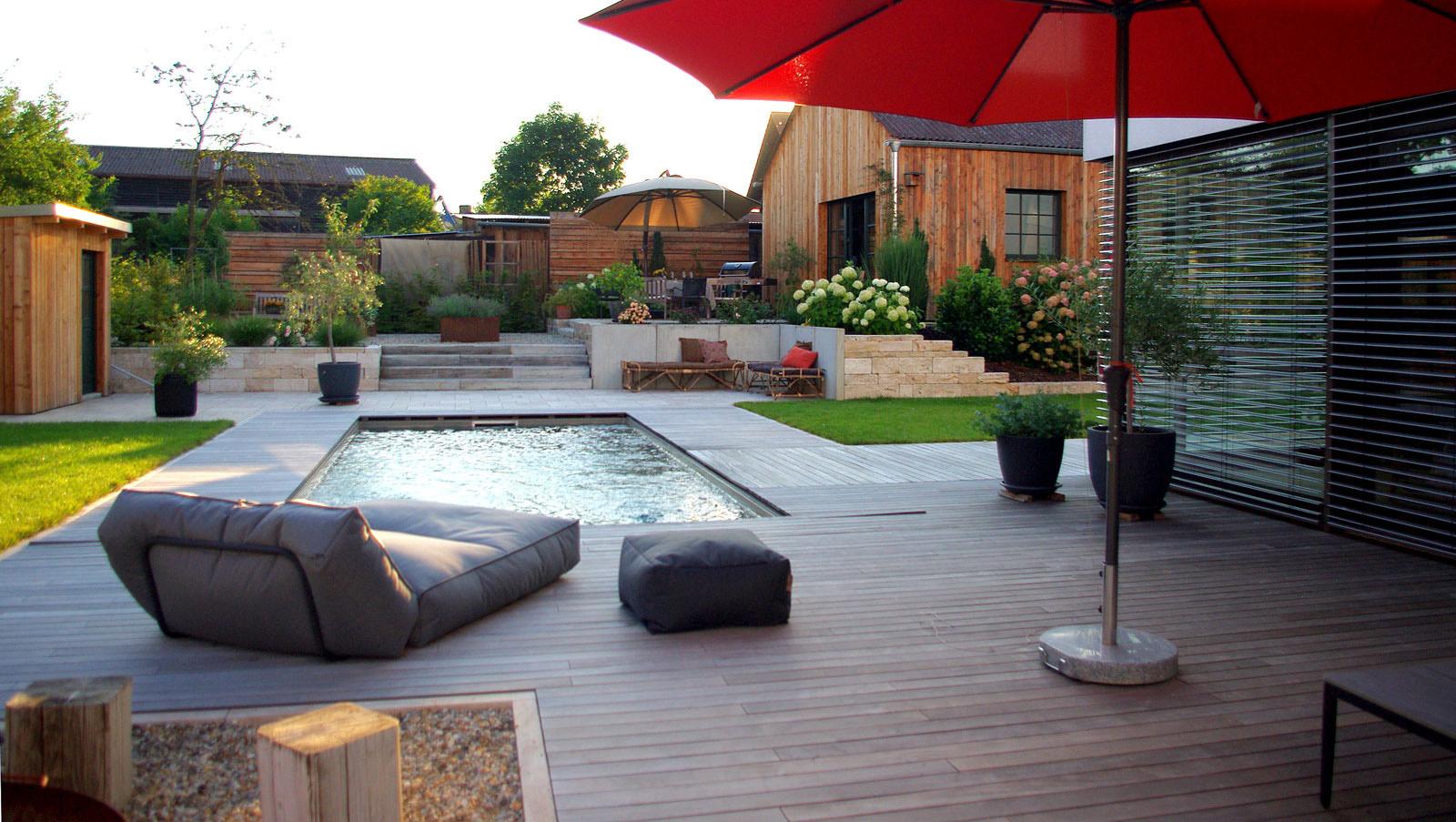 Moderner Garten mit Pool und viel Atmosphäre – Marion Ernst ...